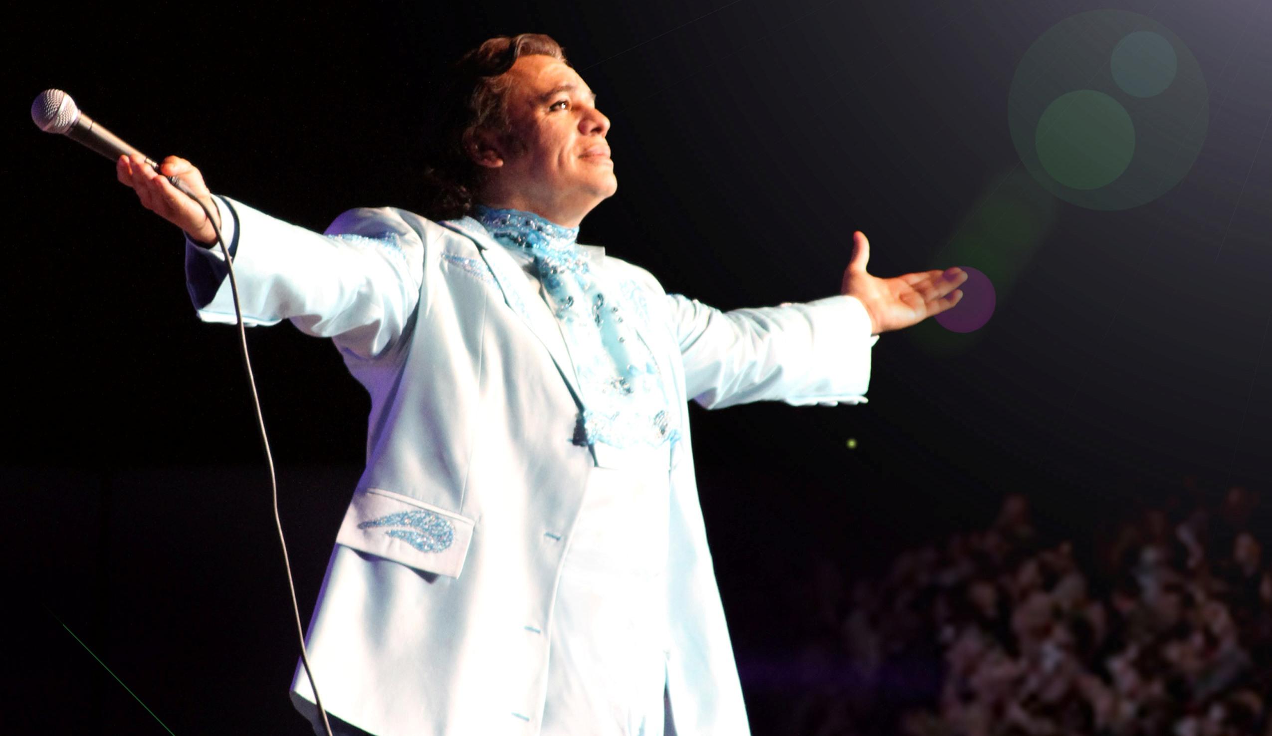 """Juan Gabriel retomó la segunda parte de su aclamada gira """"Volver 2014″"""