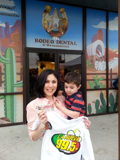 La Nueva 99.5 en Rodeo Dental
