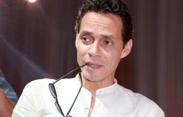 Exmarinero de Marc Anthony pierde un dedo y lo demanda