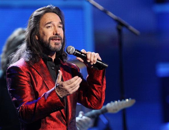 """Marco Antonio Solis canta los éxitos de Miguel Bosé """"Unplugged"""""""
