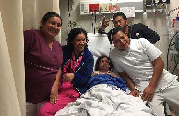 Muere el comediante Margarito Esparza y enfermeros se toman selfie previa